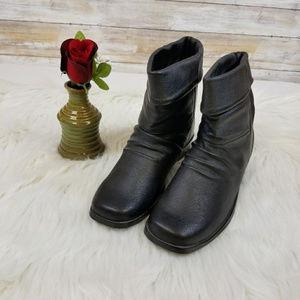 NWOT Newport news black leather booties 6.5